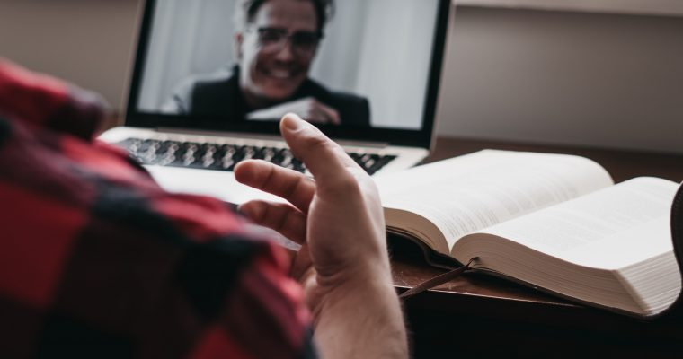 How to Become an Online Tutor in 4 Steps